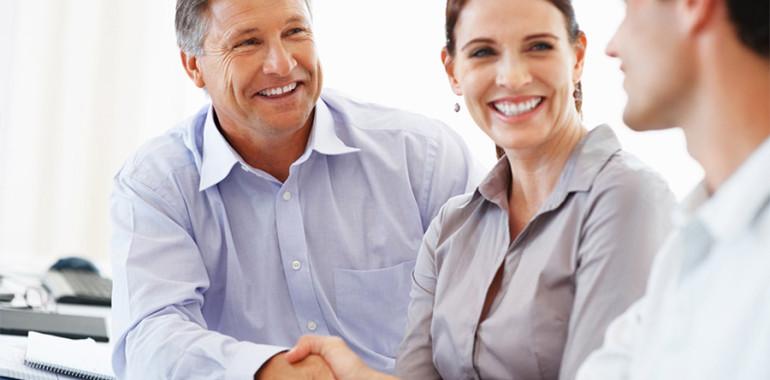 <b>Arbeitnehmerüberlassung</b> <br>Tritt Personalmangel aufgrund konjunktureller oder saisonaler Bedarfsschwankung ein, gewähren Ihnen unsere topqualifizierten Mitarbeiter wieder die nötige Flexibilität, um Erfolg zu generieren.<br>
